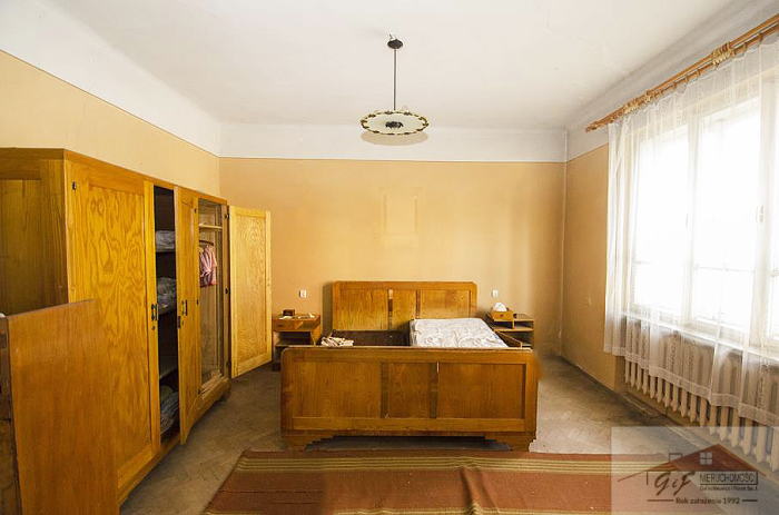 House for sale with the area of 300 m2