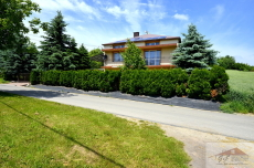 House for sale with the area of 240 m2