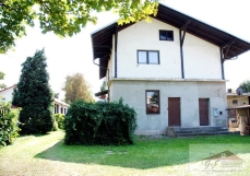 House for sale with the area of 260 m2